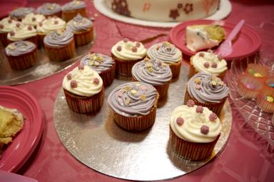 CUPCAKES abbinati alla torta di Violetta